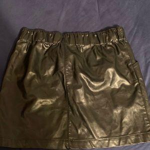 MD black mini skirt
